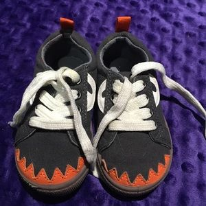 Toddler boys monster sneekers by carters size 6